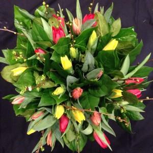 vrolijk tulpen boeket